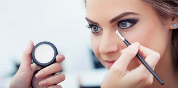 Curso online bonificado de maquillaje