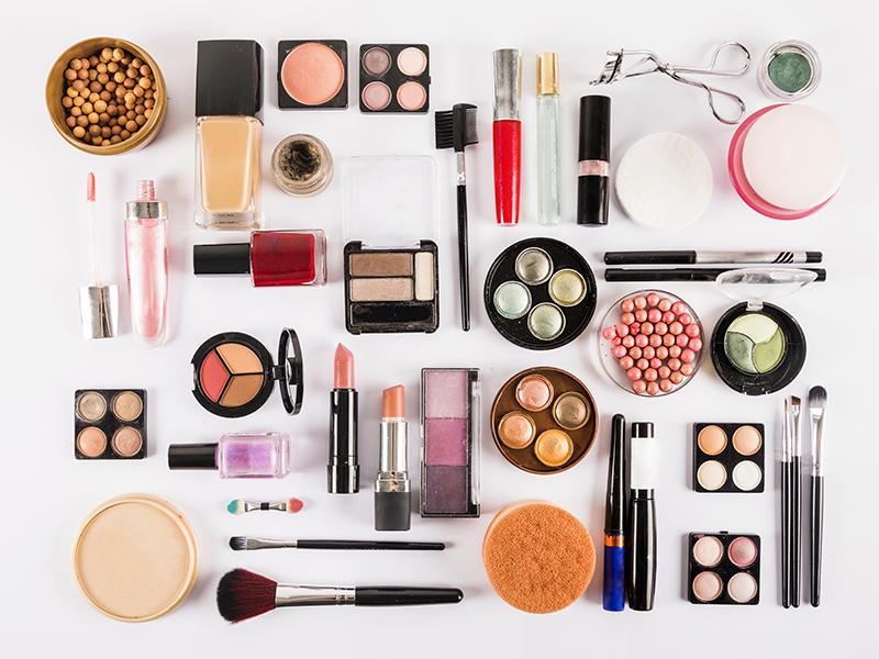 Curso online bonificado Cosméticos y equipos para los cuidados estéticos de higiene, depilación y maquillaje