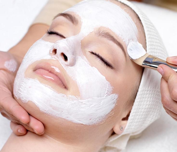 Curso online bonificado Cosméticos empleados e en las técnicas de higiene, hidratación, maquillaje y depilación.